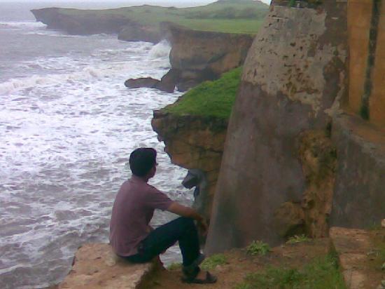Diu Fort : diu beach