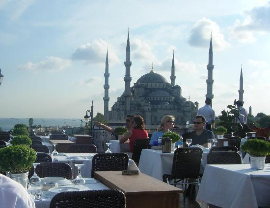 Seven Hills Restaurant: The Blue Mosque view