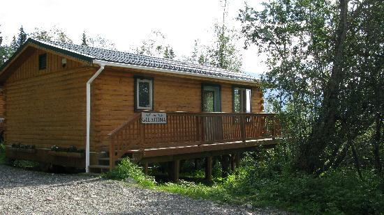Currant Ridge: Outside of Cabin