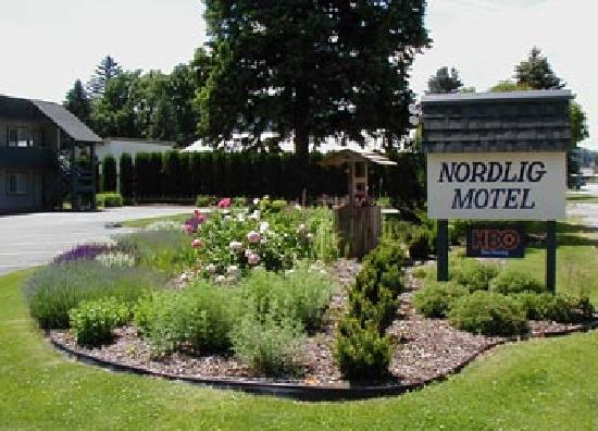Chewelah, WA: Outside the Nordlig Motel