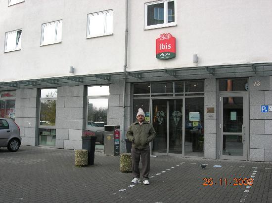 Ibis Dortmund City: At the entrance