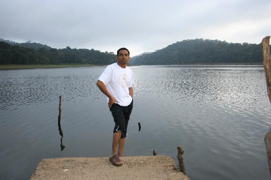 KTDC Lake Palace Thekkady: Lake Palace Morning