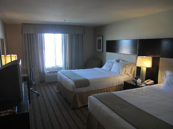Holiday Inn Express Hotel and Suites Las Vegas 215 Beltway: Zimmer mit zwei Queen-Betten