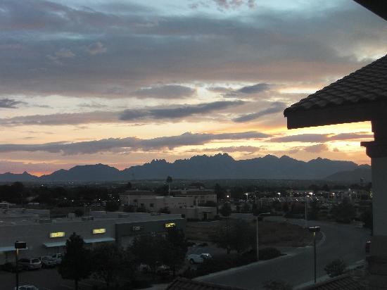 Drury Inn & Suites Las Cruces: Sonnenaufgang von unserem Hotelzimmer