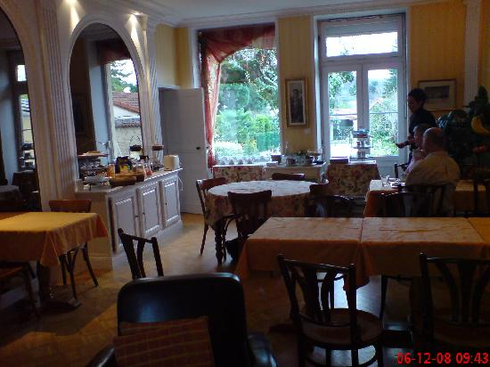 Hotel des Dauphins : Breakfast room