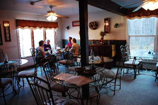 Weathertop Mountain Inn: I had blueberry and chocolate chip pancakes every day for breakfast! :)