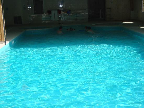 Lagrange Prestige Les Hauts de la Houle : la piscine de la résidence