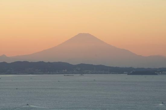 Sunset and Mt Fuji from Tokyo Wan Kannon