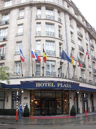 Hotel Le Plaza : Outside