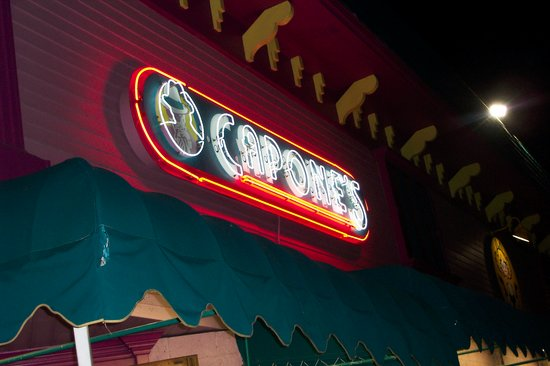 Capone's Dinner and Show: Capone's.