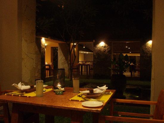 Maya Ubud Resort & Spa: ホテルのレストランです。