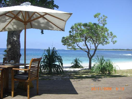 Eratap Beach Resort: the dining room