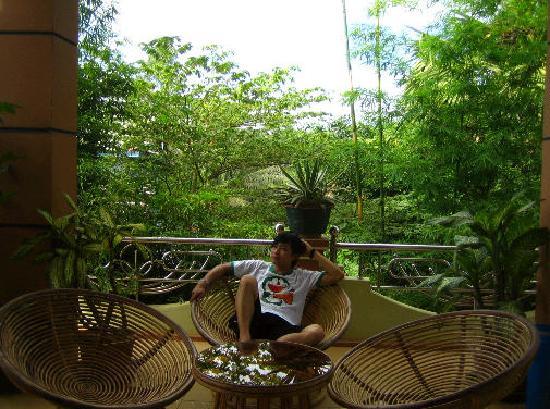 Palm Garden Lodge : public balcony