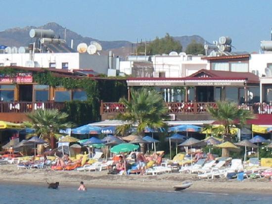 Doruk Hotel: the nearby beach