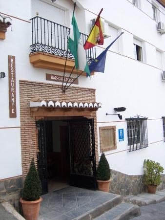 Guejar Sierra, Испания: Hotel Juan Francisco entrance
