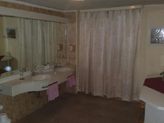 Hotel Bayerischer Hof Starnberg: Bathroom