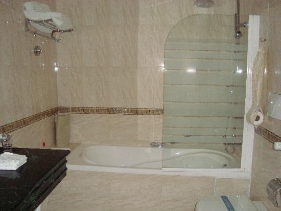 Tiberio Palace Hotel: il bagno
