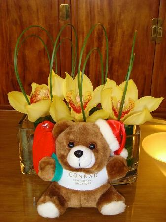 Conrad Centennial Singapore: The Santa Conrad Bear