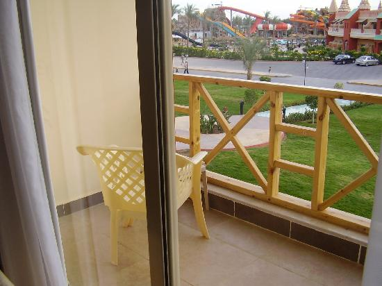 Aqua Blu Sharm: veiw from our room and balcony