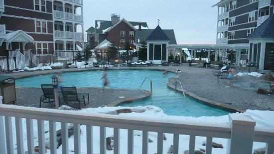 Snowshoe, WV: Alleghany Pool, hot tub and Fire pit
