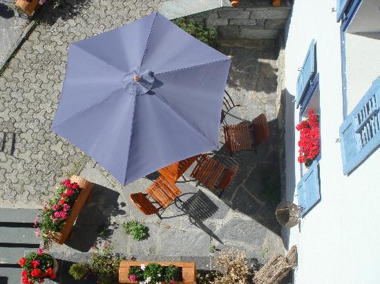 Hotel de la Sage : Umbrella