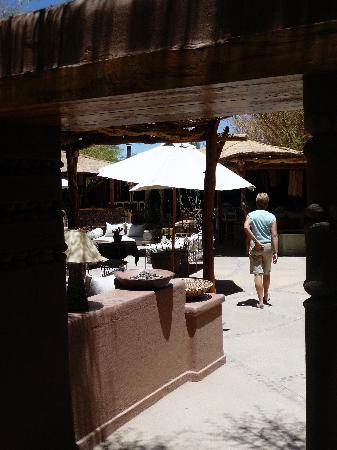 Awasi Atacama - Relais & Chateaux: Looking towards the open lounge