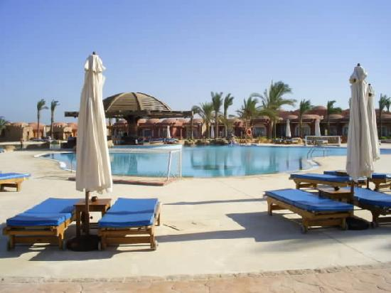 SENTIDO Oriental Dream Resort : One of 3 pools