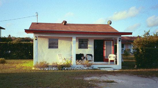 Mangrove Cay Inn - small cottage