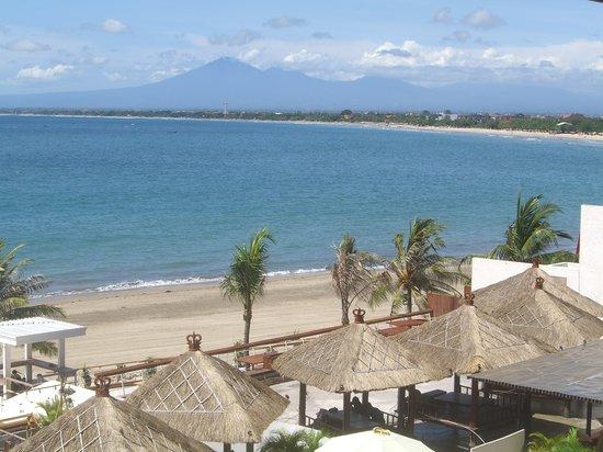 ตูบัน, อินโดนีเซีย: そごう3Fベランダからクタ海岸を眺めます。