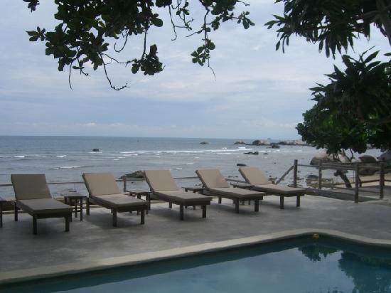 Nikoi Island : Pool area