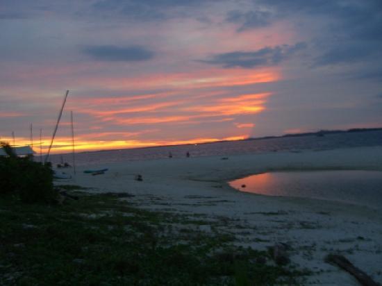 Nikoi Island : Sunset at Nikoi