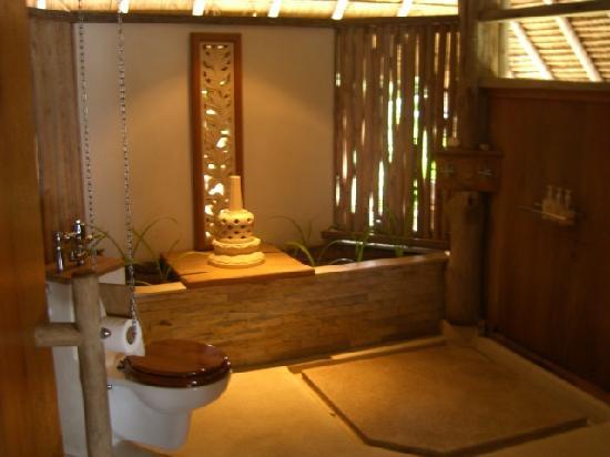 Nikoi Island : Bathroom
