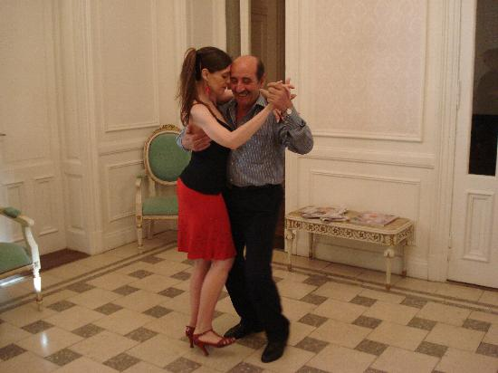 Rooney's Boutique Hotel: Tango Class