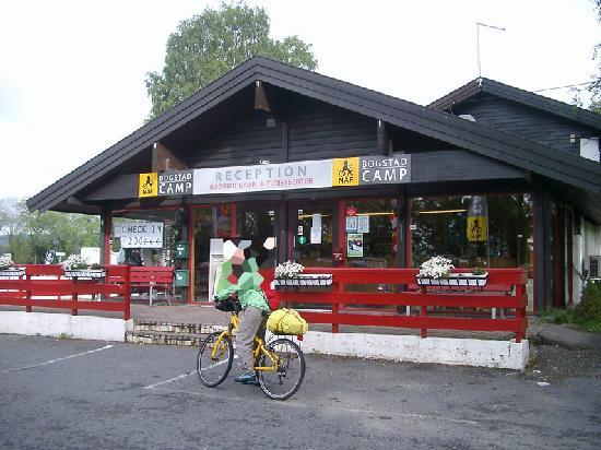 Bogstad Camp & Turistsenter: Recepción y bicicleta