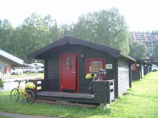 Bogstad Camp & Turistsenter: Cabaña exterior nª21 y las bicis