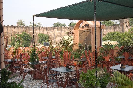 Hotel Pearl Palace: La azotea / Restaurante