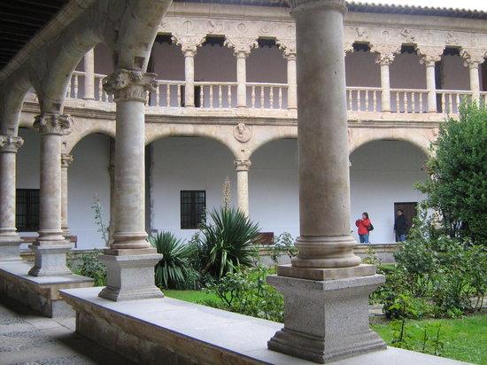 贵妇修道院