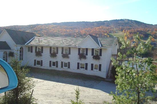 Inn at Mount Snow: front of the Inn