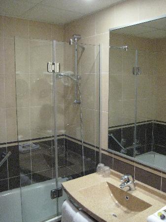 Mercure Rouen Champ de Mars Hotel: Salle de bains