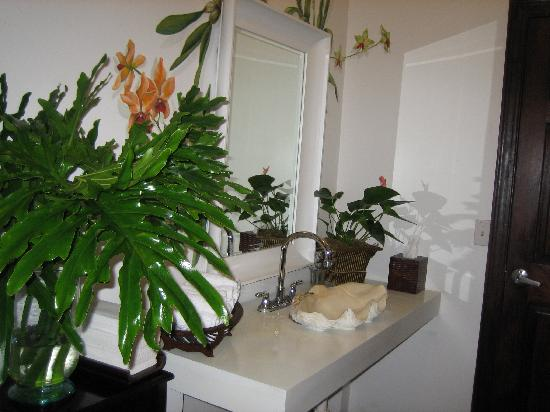 Maison Martinique Restaurant: even the restroom is posh