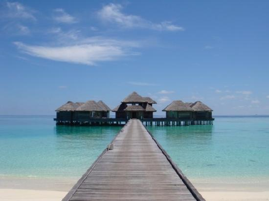 Huvafen Fushi Maldives : Lime Spa from the beach
