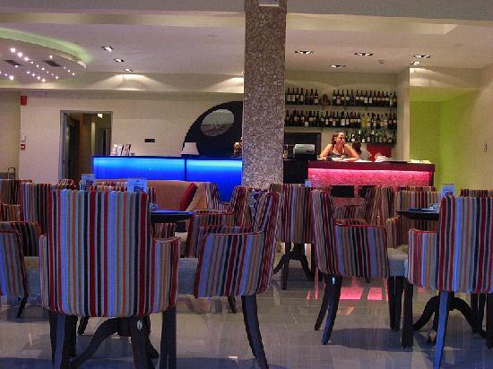 Astir Notos Hotel: Lobby bar