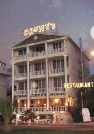 conny's restaurant-bar
