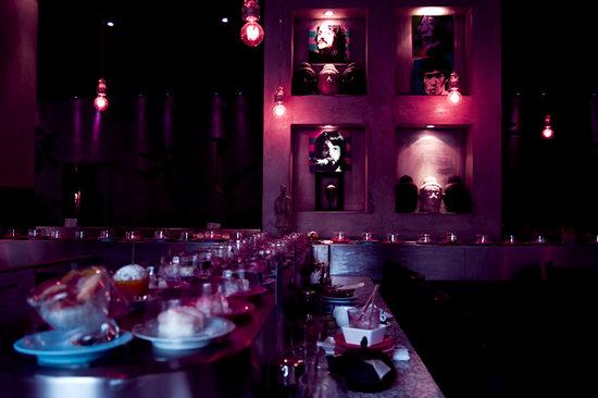 Sushi Bar: Tapis roulant de sushis