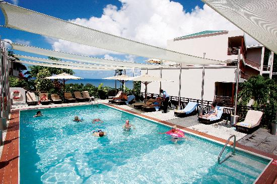 Bel Jou Hotel: Swimming pool - you can learn to scuba dive or snorkel in the pool