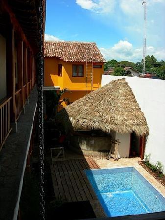 Hotel con Corazon: Pool