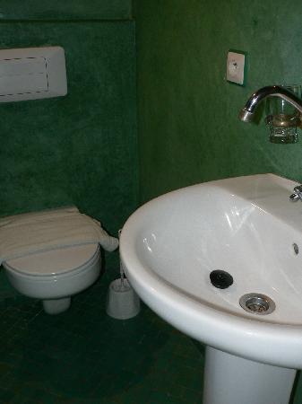 Lalla Mira Hotel-Restaurant-Hammam: Sink