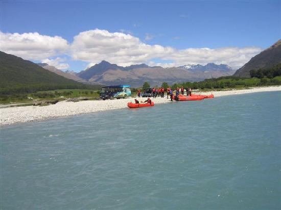 Dart River - Wilderness Jet: Passing the Funyaks on the way down