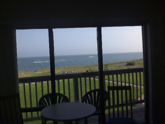 Surf and Sand Beach Motel: Renovated room