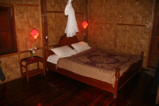 Khoun & Khone Bungalows : Inside the bungalows
